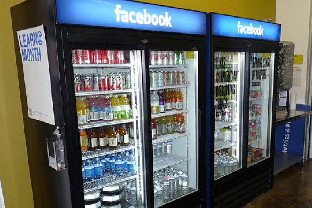 1016167-jusque-sur-les-distributeurs-de-boissons